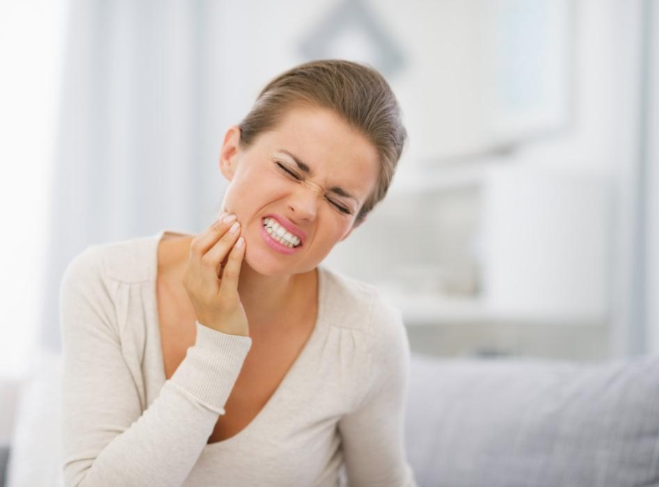 Woman in Pain | Dental Fillings Loxahatchee