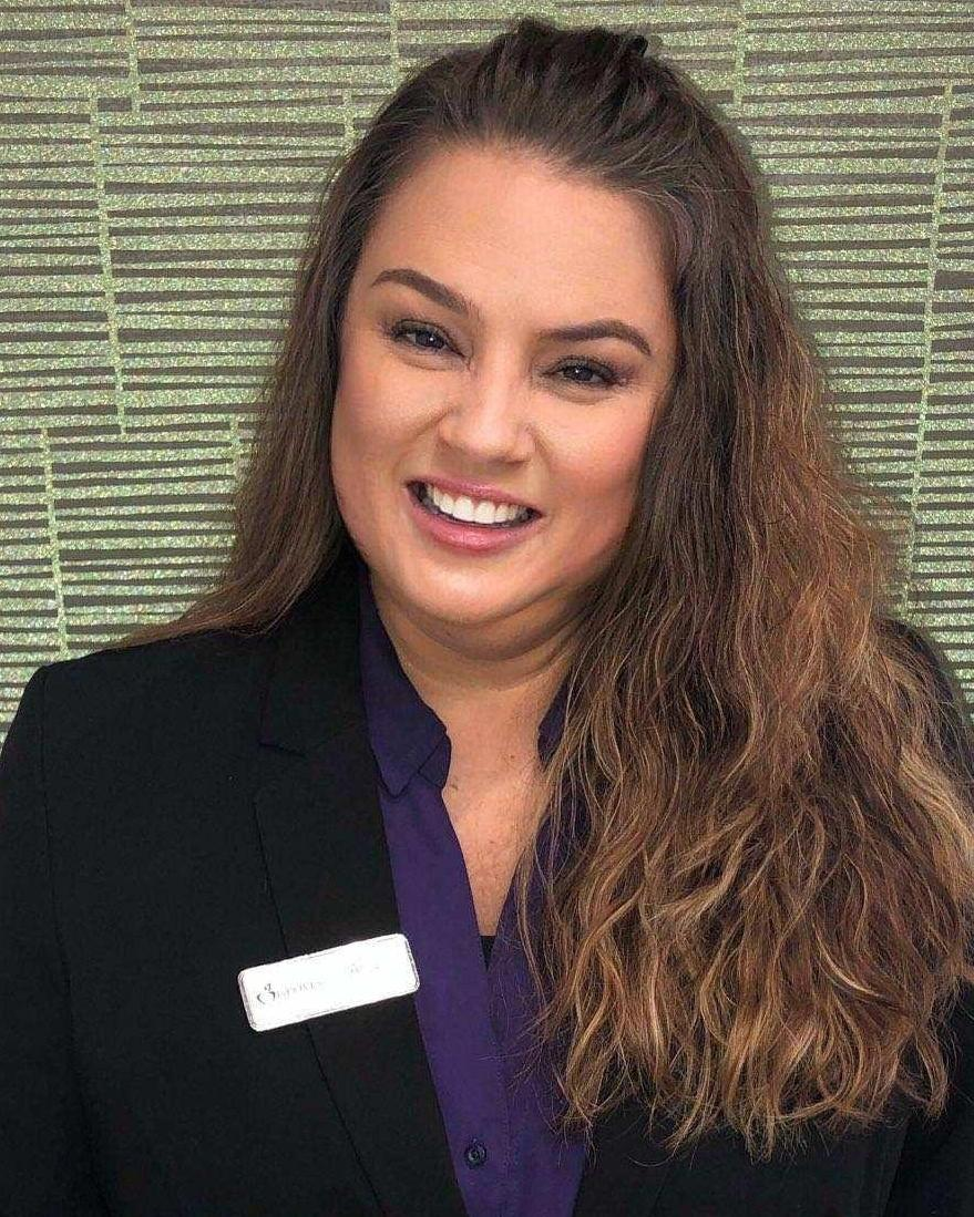 Headshot of Amy, the office manager at Groves Dental Care in Loxahatchee